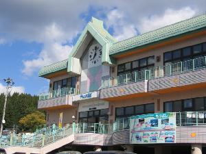 阿仁前田駅(温泉付駅舎) クウィンス森吉(もりよし)