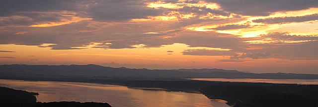 展望台から望む夕日