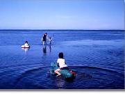 サロマ湖で水遊び